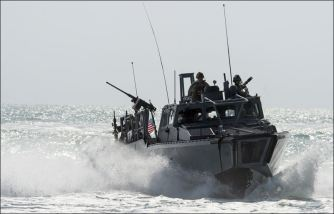 Iran-US-Navy-Boats